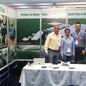 Pma fresh summit mexico fc team in booth 052318-2